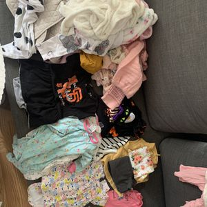 Free baby girl clothes 6 Months for Sale in Richmond, CA