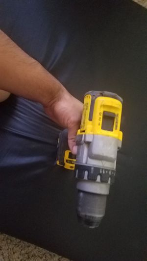 Dewalt 3 speed, no batery and no hammer for Sale in Goodyear, AZ