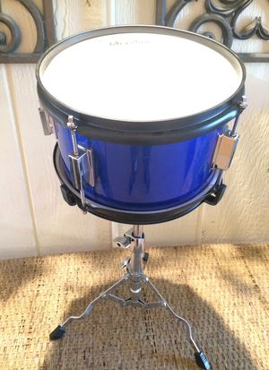 "10"" Tom and Stand for Sale in Las Vegas, NV"