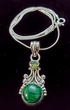 Two stone green agate and peridot sterling silver necklace stamped for Sale in Henderson, NV