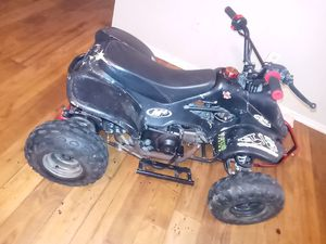 Atv 110cc needs battery charger for Sale in Dallas, TX