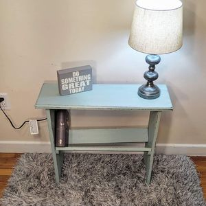 Small book shelf for Sale in Lynn, MA
