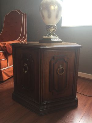 Antique vintage hexagon end table for Sale in Pittsburgh, PA