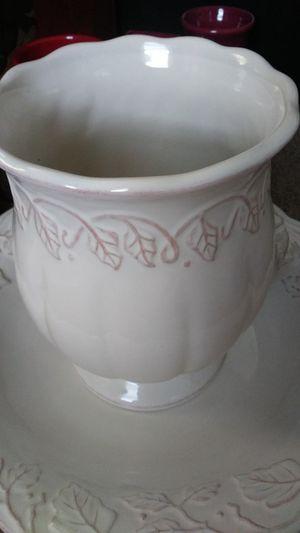 Longaberger Basin and Vase for Sale in Newport, KY