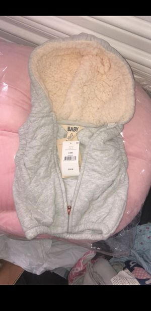 Baby girl clothes (new & light use ) newborn -12m for Sale in Los Angeles, CA