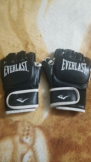 UFC fighting gloves for Sale in Victorville, CA