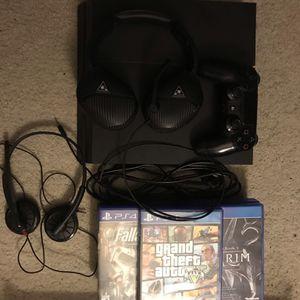 PS4 500gb Bundle for Sale in Denver, CO