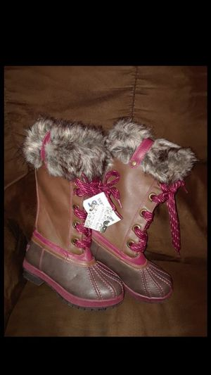"""LONDON FOG "" GIRL'S...FUR BOOT'S..( SIZE 13) for Sale in Fort Worth, TX"