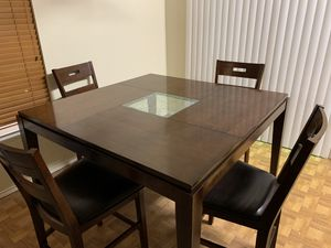 Bar height dinning table for Sale in Mesquite, TX