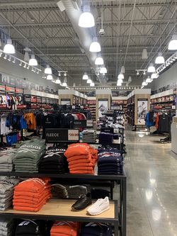 Reebok Store At Ontario Mills👟 for Sale in Ontario,  CA