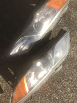 2014 Acura RDX Headlights for Sale in Federal Way,  WA