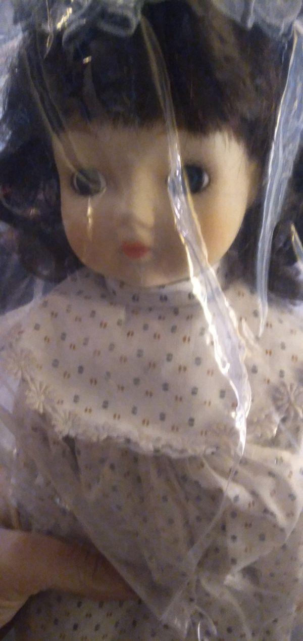 Antique Pair of Porcelain Dolls!!