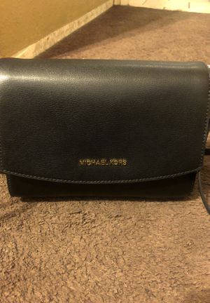 Michael Kors Ellis Black Flap Messenger Leather Bag for Sale in Fontana, CA