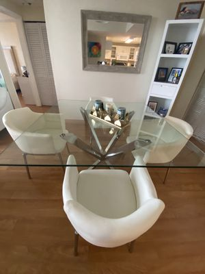 Ghettys Square Crystal Glass Dining Room Table for Sale in Miami, FL
