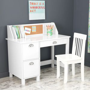 Kids crafts desk n chair new $124.99 others are selling this for $189.99 for Sale in Phoenix, AZ