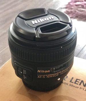 Nikon D7000 and 50 1.8g prime lens for Sale in Lumberton, NJ