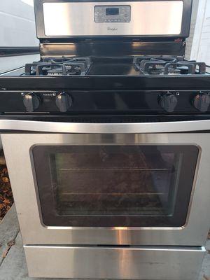 Beautiful WHIRLPOOL Gas stove for Sale in Santa Ana, CA