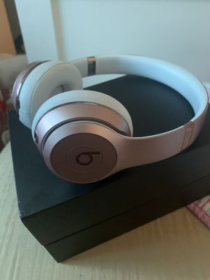 Beats Solo 3s Rose Gold for Sale in Chester, VA