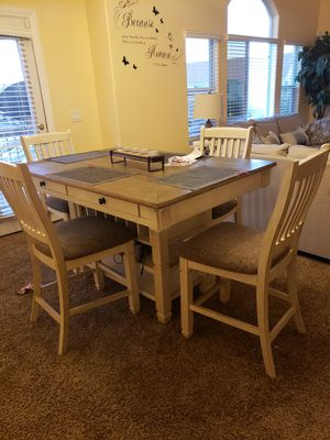 5 piece dining table for Sale in Las Vegas, NV