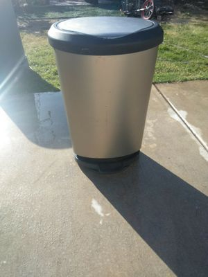 Kitchen Garbage can for Sale in French Camp, CA