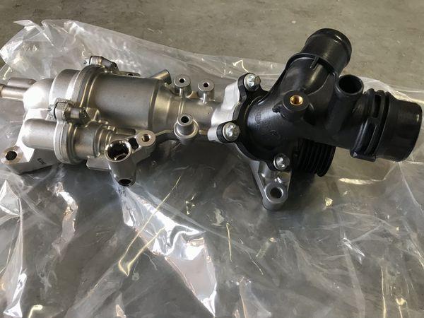 MERCEDES BENZ - Coolant Pump 274-200-09-00