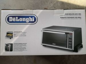 Delonghi Toaster Oven with Broiler for Sale in Rockville, MD