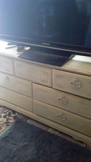 Antique dresser for Sale in Selma, CA