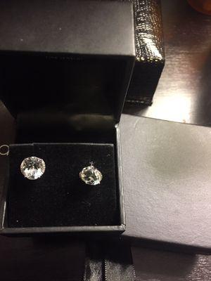Diamond earrings in 14kgold 1/3 kw for Sale in Dearborn, MI