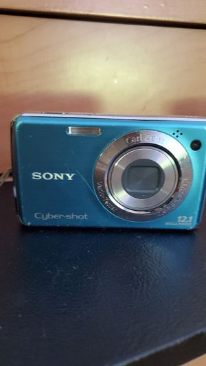 Sony camera w charger and case for Sale in Laurel, MD