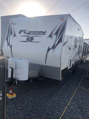 """2011 Fuzion 230 (23"""" feet), Overall 27"""" for Sale in Ontario, CA"""