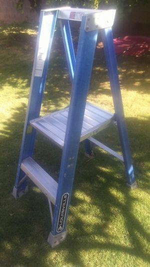 2ft platform ladder escalera de plataforma for Sale in Glendale, AZ