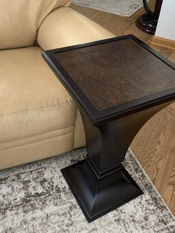 End Table for Sale in Hoffman Estates,  IL