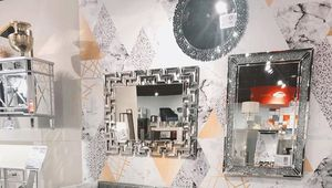 Accent wall mirror for Sale in North Las Vegas, NV