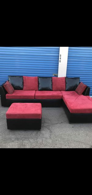 Comfortable sectional couch red and black with ottoman, for Sale in Glendale, AZ