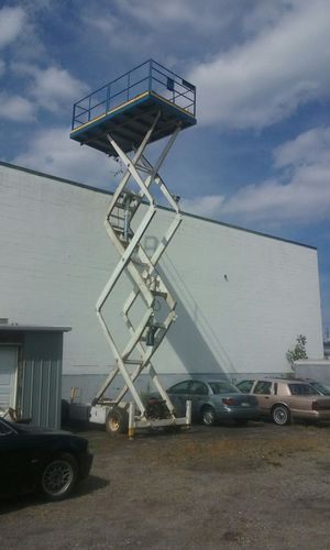 Scissors lift for Sale in Cleveland, OH