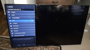 Vizio Smart tv 65 inch comes with powercord and original tv remote for Sale in Humble, TX