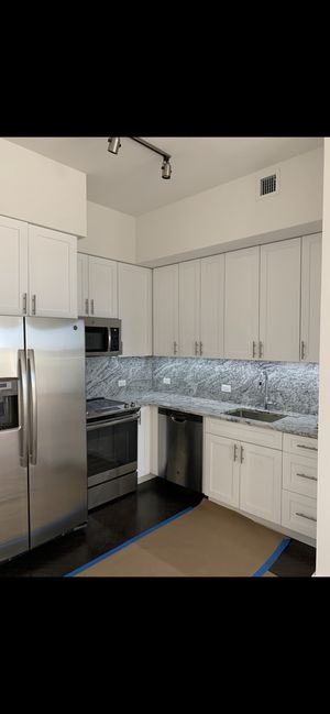 White shaker cabinets for Sale in Fort Lauderdale, FL
