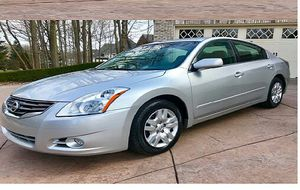 2011 nissan altima for Sale in North Olmsted, OH