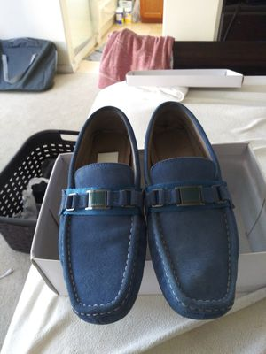 MEN'S SIZE (9) SUEDE BABY BLUE CALVIN KLEIN DRIVING LOAFER (8/10 CONDITION OF LOAFER) for Sale in San Leandro, CA