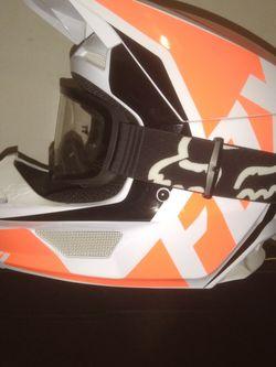 Fox Helmet for Sale in Elma,  WA