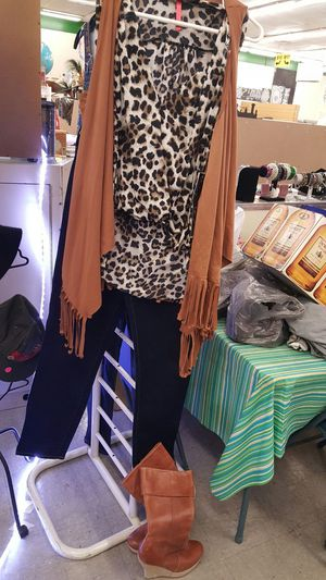 3 PEICE Levi Jean outfit with matching boots for Sale in Port Richey, FL