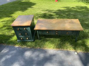 Country-style coffee table and end table. for Sale in Naperville, IL
