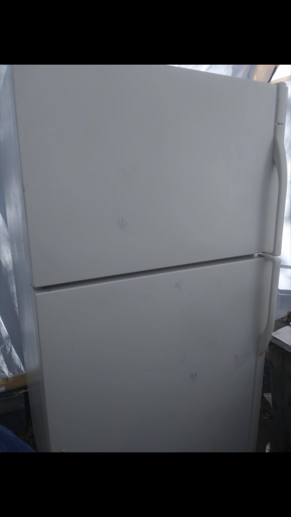 Nice clean refrigerator