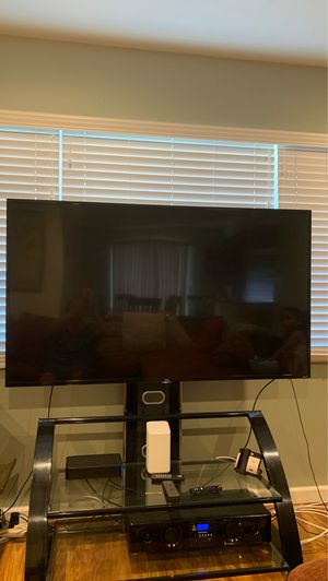 TCL 65 inch tv smart 4K UHD LED/HDR Roku TV for Sale in Fremont, CA