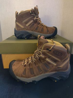 Keen Women's Voyager Mid Hiking Boots for Sale in Las Vegas, NV