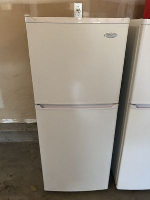 Danby 4ft mini fridge for Sale in Vacaville, CA