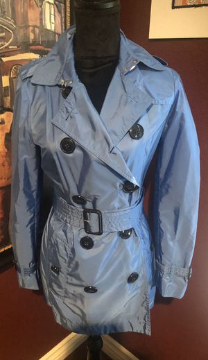 NWOT Burberry Trench Coat for Sale in Perris, CA
