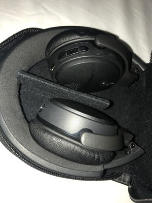 Bose Bluetooth Headphones for Sale in Palm Harbor, FL