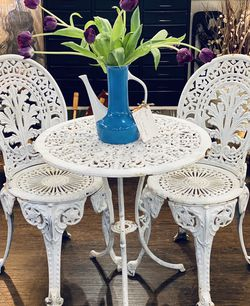Solid Cast Iron Patio Furniture for Sale in Oregon City,  OR