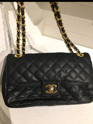 No email! Brand new beautiful Luxury purse for Sale in Miami, FL